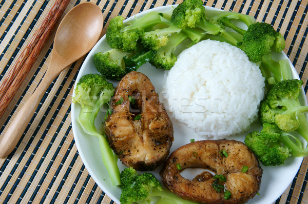 Comida peixe molho caramelo cozinhar asiático Foto stock © xuanhuongho