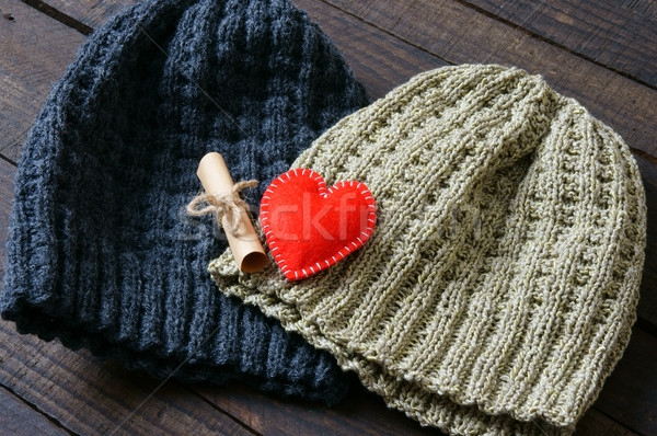 Hecho a mano regalo Pareja sombrero negro Foto stock © xuanhuongho