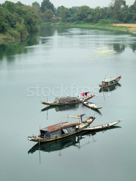 Paysage rangée bateau rivière pauvres Viêt-Nam Photo stock © xuanhuongho