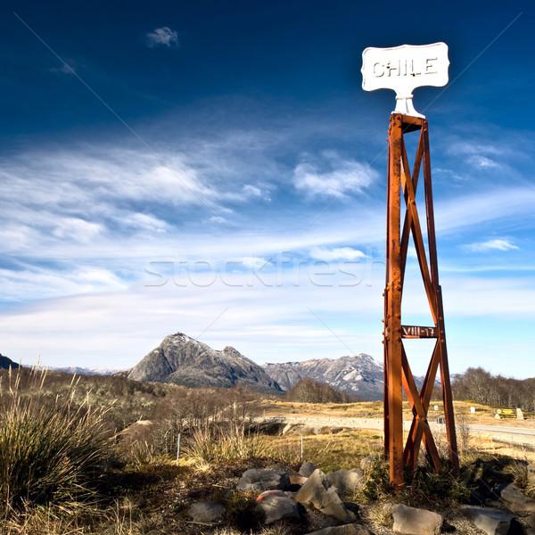 Bağbozumu sınır gönderemezsiniz yol işareti Arjantin Şili Stok fotoğraf © xura