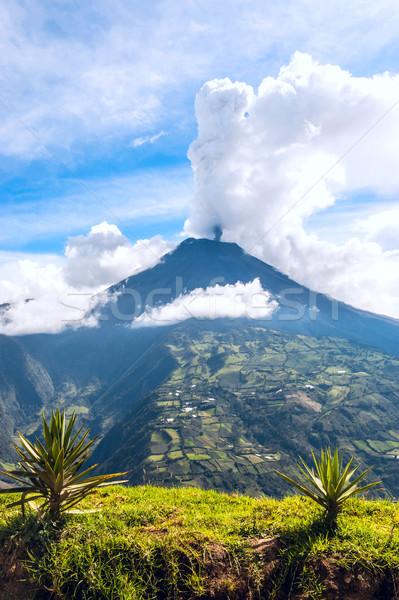 Uitbarsting vulkaan centraal Ecuador hemel Stockfoto © xura