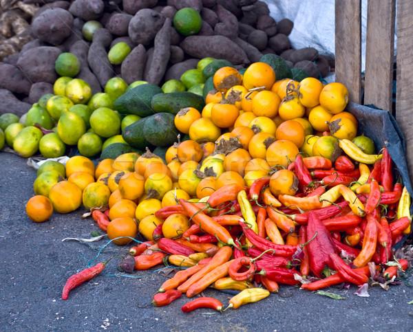 Taze sebze meyve yerel pazar güney amerika biber Stok fotoğraf © xura