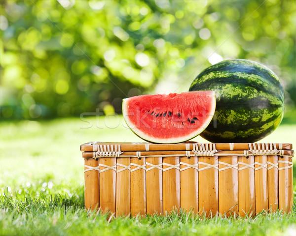 Jugoso rebanada sandía picnic naturales verde Foto stock © Yaruta