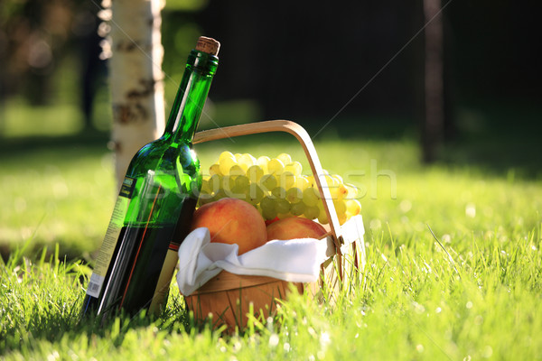 Wine and fruits Stock photo © Yaruta