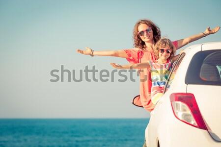 ストックフォト: 夏 · 車 · 旅行 · 女性 · 脚 · エメラルド