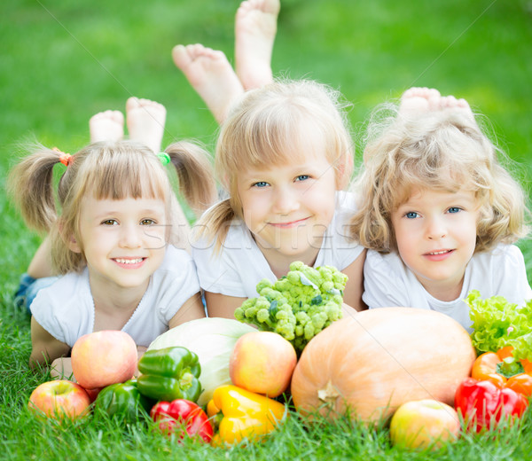 Ninos picnic grupo feliz frutas hortalizas Foto stock © Yaruta