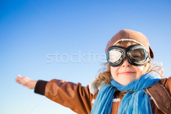 Сток-фото: счастливым · Kid · играет · роль · экспериментального · синий