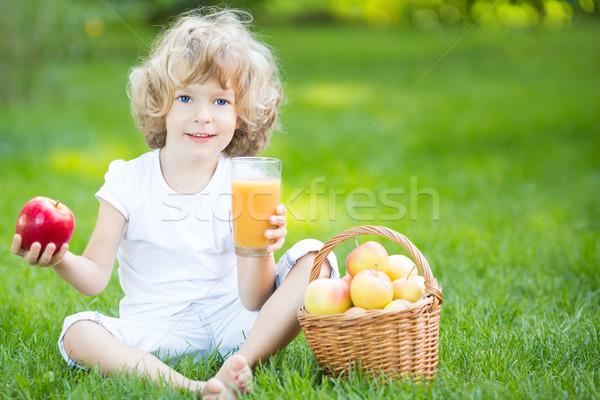 Child having picnic Stock photo © Yaruta
