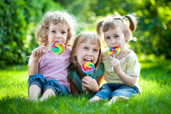 Сток-фото: детей · пикника · группа · счастливым · еды · фрукты
