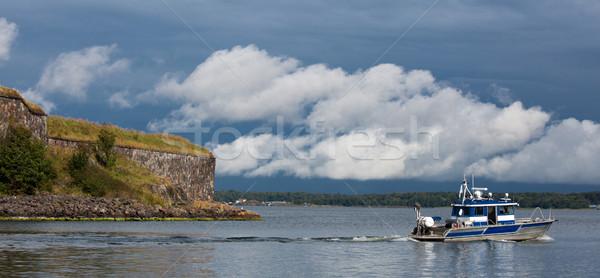 Boot bladeren zee Helsinki Finland Stockfoto © yhelfman