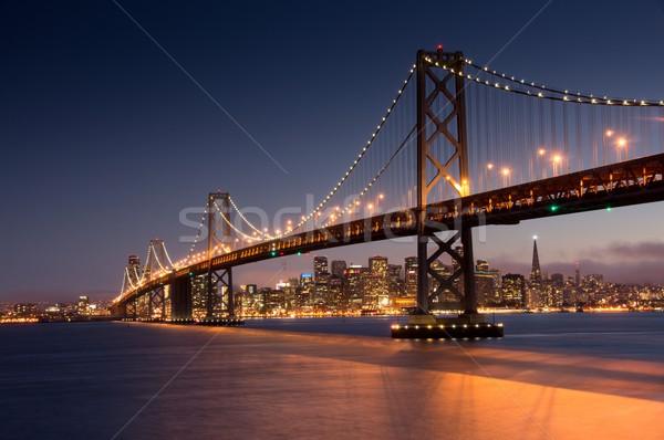 Akşam karanlığı köprü San Francisco ufuk çizgisi Kaliforniya fotoğraf Stok fotoğraf © yhelfman