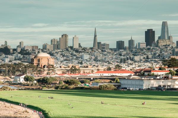 Dziedzinie San Francisco panoramę biuro chmury budynku Zdjęcia stock © yhelfman