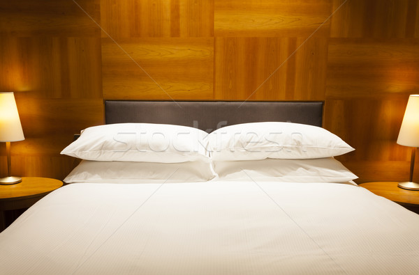 Luxuoso quarto de hotel ver dobrar cama projeto Foto stock © ymgerman