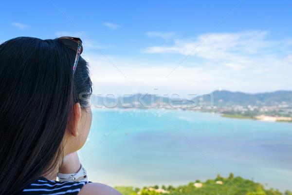 Kadın turist izlerken okyanus phuket Tayland Stok fotoğraf © Yongkiet