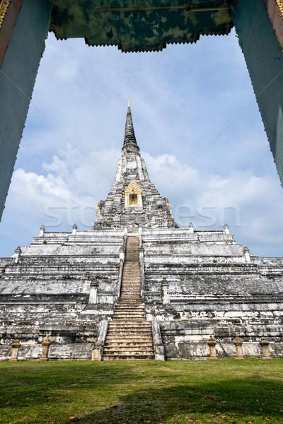 Pagoda tanga grande blanco antigua mirando Foto stock © Yongkiet