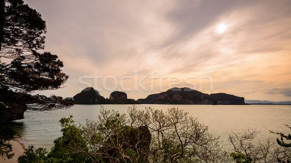 Mooie zee rond eiland natuurlijke landschap Stockfoto © Yongkiet