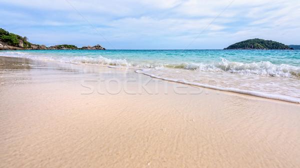 Tengerpart hullámok park Thaiföld gyönyörű tájkép Stock fotó © Yongkiet