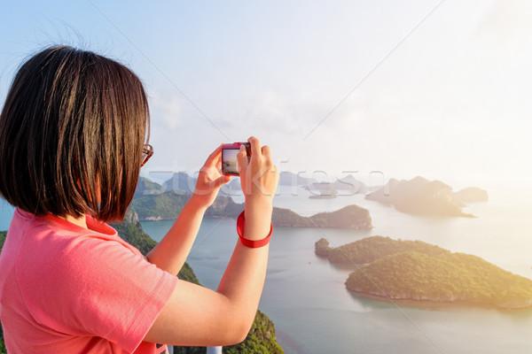 Kadın fotoğrafları turist ada Stok fotoğraf © Yongkiet