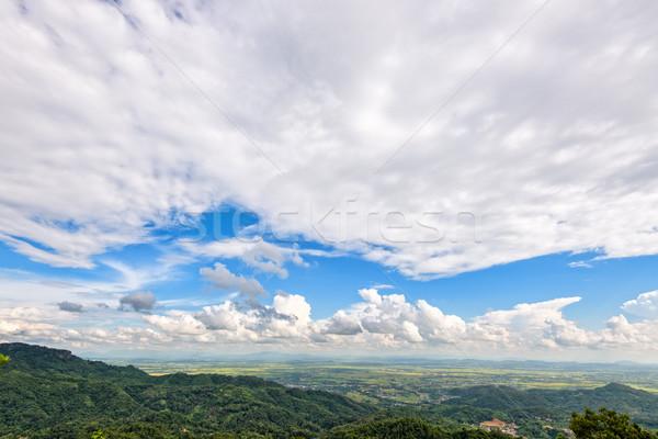 Berg mooie natuurlijke landschap wolk hemel Stockfoto © Yongkiet