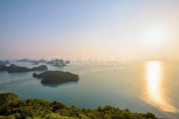 Napfelkelte tanga magasról fotózva kilátás sziget gyönyörű Stock fotó © Yongkiet