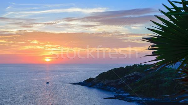 Coucher du soleil mer vue belle paysage Photo stock © Yongkiet