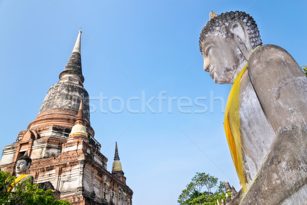 Buddha statua antica pagoda cielo blu tempio Foto d'archivio © Yongkiet