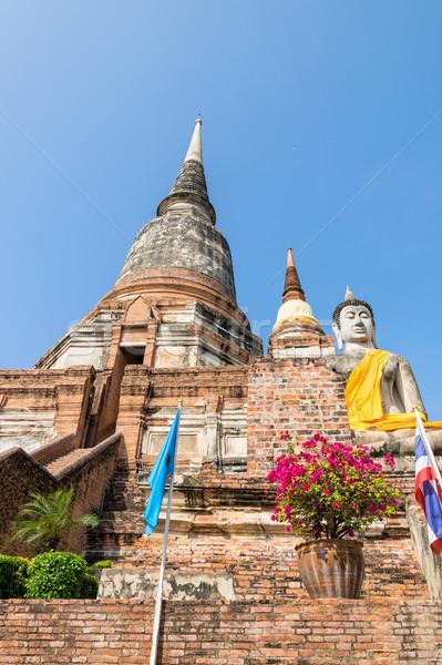 Buddha standbeeld oude pagode bodem groot Stockfoto © Yongkiet