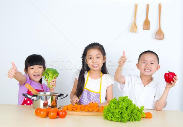 アジア 子供 料理 健康的な食事 少女 ストックフォト © yongtick
