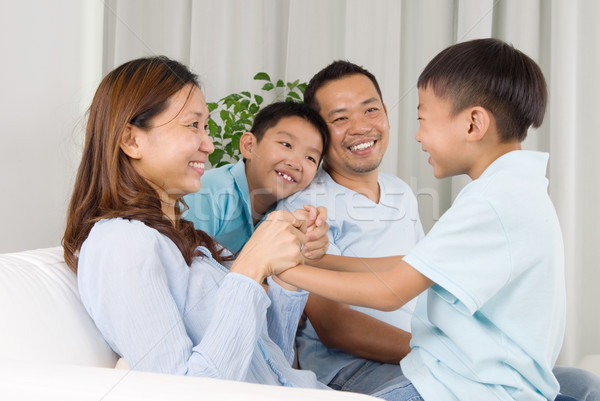 Asian familie home huis kind Stockfoto © yongtick