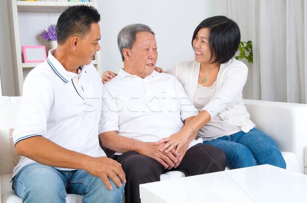 Asian familie senior vader volwassen zoon Stockfoto © yongtick