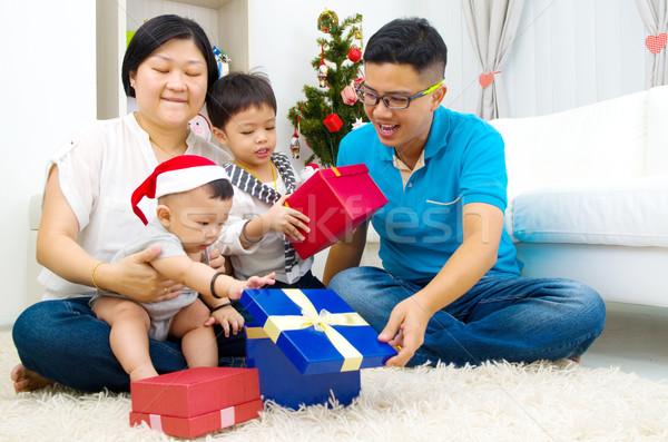 アジア 家族の肖像画 幸せな家族 クリスマス 家族 男 ストックフォト © yongtick