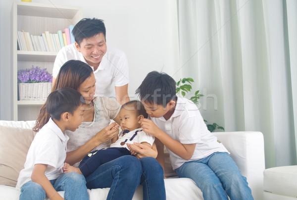Asiático família jogar bebê mulher amor Foto stock © yongtick