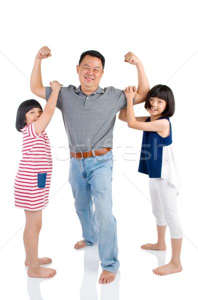 Asiático família pai jogar bonitinho homem Foto stock © yongtick