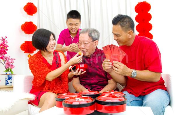 Foto stock: Asiático · família · três · gerações · celebrar · ano · novo · chinês