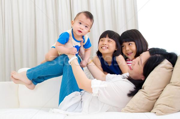 Asian famiglia madre giocare bambini baby Foto d'archivio © yongtick
