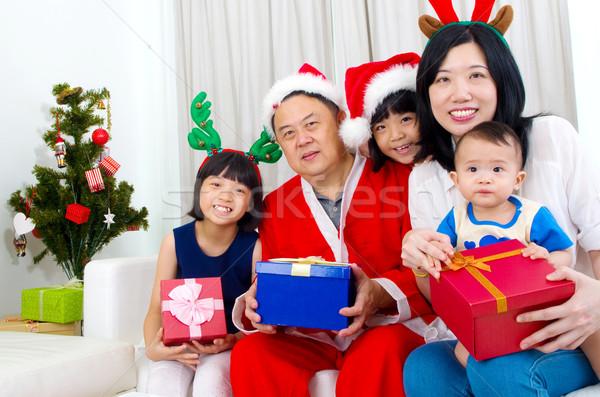 Asiático retrato de família família feliz natal homem Foto stock © yongtick