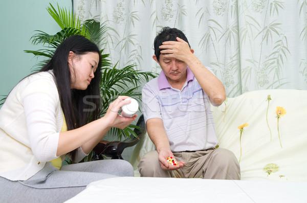 アジア 家族 男 薬 ホーム 娘 ストックフォト © yongtick