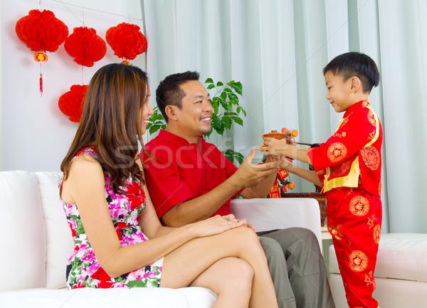 Asiático família menino chá pai Foto stock © yongtick