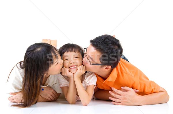 Asian famiglia madre bacio figlia amore Foto d'archivio © yongtick