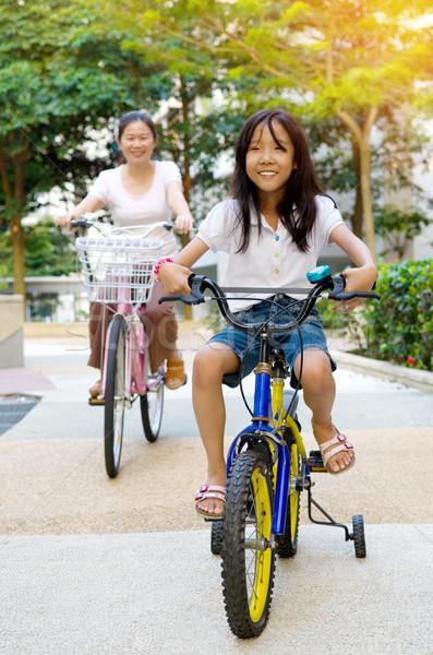 アジア 家族 母親 娘 サイクリング 自転車 ストックフォト © yongtick