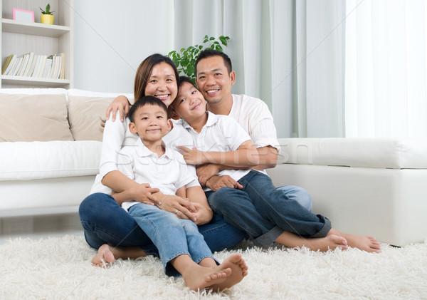 Asian famiglia ritratto home Foto d'archivio © yongtick