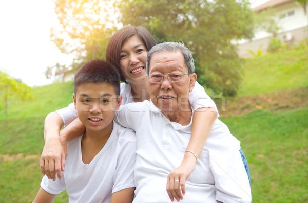 アジア 3  世代 家族の肖像画 中国語 家族 ストックフォト © yongtick