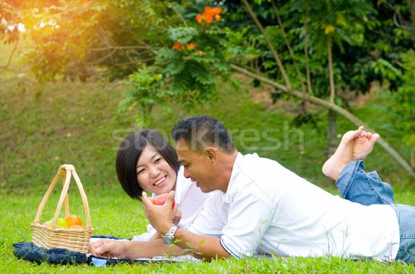 アジア カップル 愛する 屋外 公園 少女 ストックフォト © yongtick