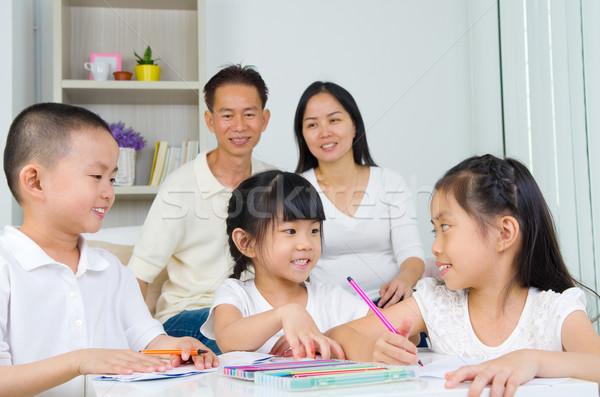 Asiático família escolas lição de casa sala de estar casa Foto stock © yongtick