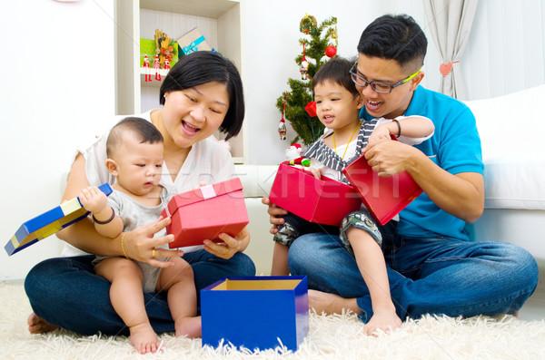 アジア 家族の肖像画 幸せな家族 クリスマス 女性 家族 ストックフォト © yongtick