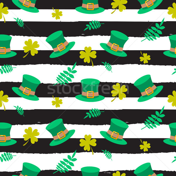 Stock photo: Ireland Saint Patrick hat on striped seamless pattern.