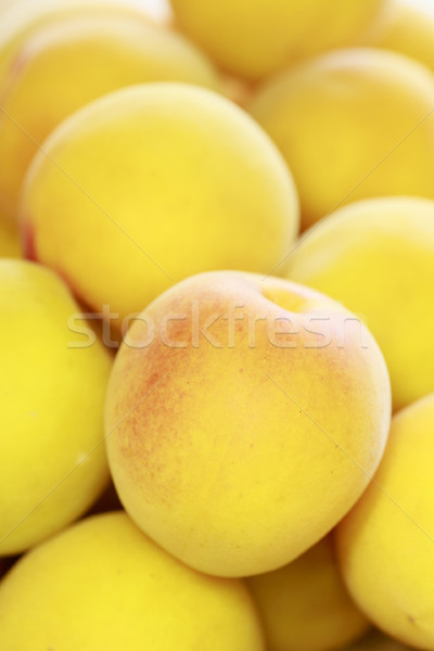 Maduro frutas japonês pêssego amarelo Foto stock © yoshiyayo