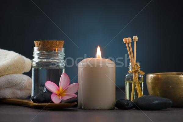 Spa întuneric lumini rece pietre floare Imagine de stoc © yuliang11
