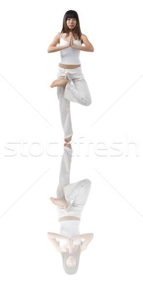 Asian meisje yoga geïsoleerd witte hand Stockfoto © yuliang11
