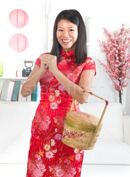 Kız Çin tebrik süslemeleri mutlu Stok fotoğraf © yuliang11